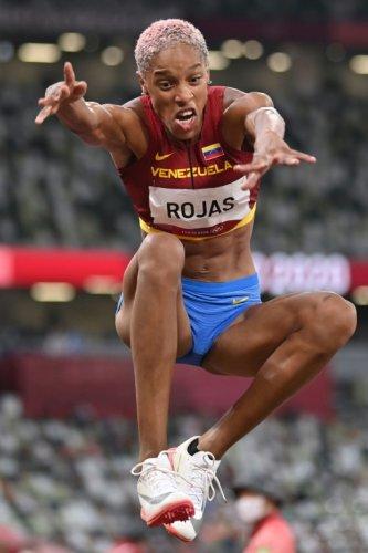 Athlétisme: Rojas, un triple saut en avant