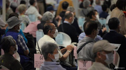 Japan should have scrapped domestic trials to speed up COVID-19 inoculations: Vaccine chief