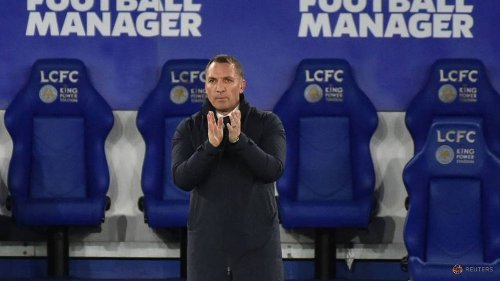 Soccer-Stuttering Leicester must embrace the challenge, says Rodgers