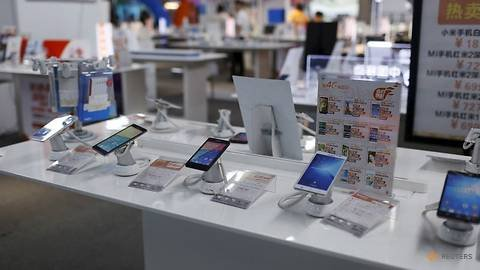 Smartphone shipments in China slump 30.8per cent year on year in May - CAICT