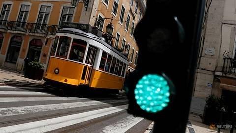 Three-day COVID-19 travel ban comes into force around Lisbon region