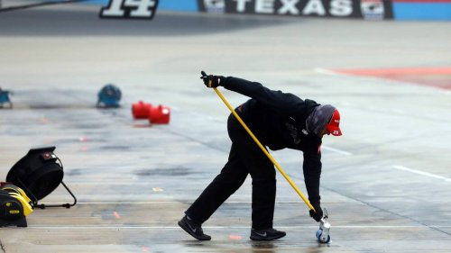 NASCAR at Texas live updates: Track too wet, race restart pushed to Wednesday