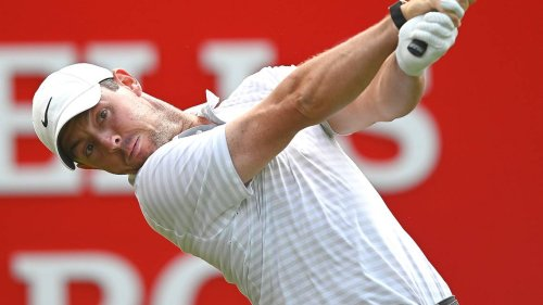 Rory McIlroy, 2 strokes behind leader, in final pairing at Wells Fargo Championship