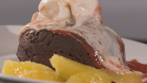 FLOURLESS, DAIRY-FREE CHOCOLATE CAKE – AS SEEN ON DINNER: IMPOSSIBLE