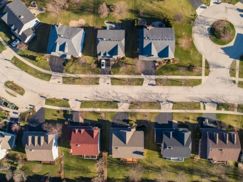 Crain's Daily Gist real estate recap: Buyers fight for homes before they even hit the market