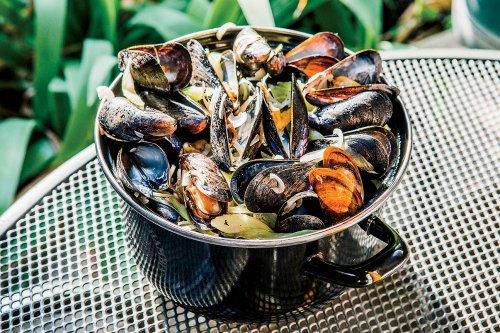 Hopleaf's Belgian-Style Mussels in Beer