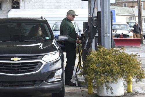 Gas prices have been rising but OPEC keeps oil production cuts