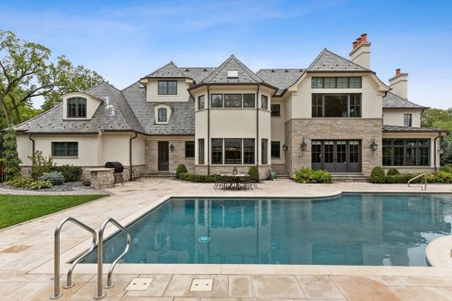 Luxury home sales soar 26% as US recovery favors wealthy buyers
