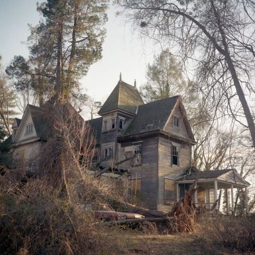 The abandoned houses of Instagram
