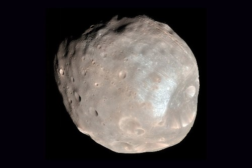Why the 'super weird' moons of Mars fascinate scientists