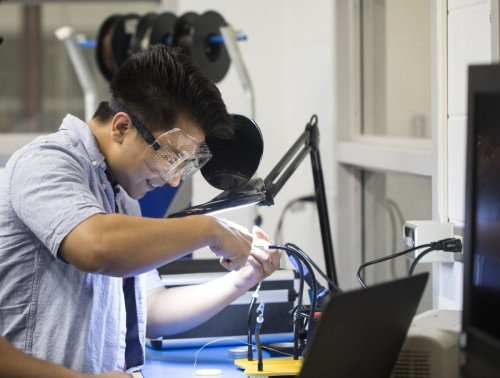 Virtual Maker Faire features creators of robots, 3D printers and more; 'Making things makes me phenomenally happy'