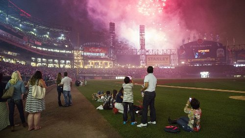 Column: New Comiskey Park opened 30 years ago today. Thank goodness the Chicago White Sox keep hitting the refresh button on their ballpark.