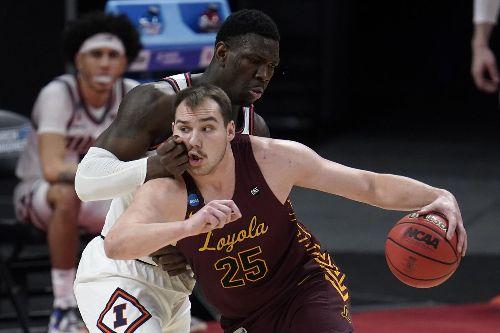 Photos: No. 1 Illinois vs. No. 8 Loyola in NCAA Tournament