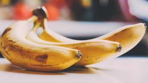 Bananen nach wenigen Tagen braun und matschig? Mit einem simplen Trick bleiben sie länger frisch