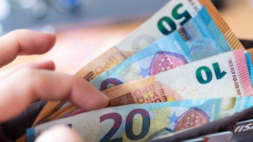 Wie viel Geld sollte ich in welchem Alter sparen? Auf die 10er-Regel kommt es an