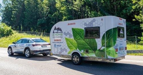 Über die Alpen ohne Ladestop: Dieser Wohnwagen kommt mit eigenem E-Antrieb