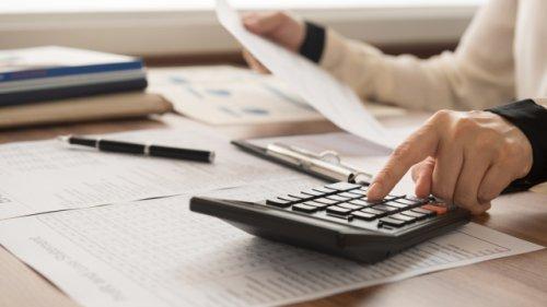 Prüfen Sie Ihre Verträge: Wie Sie monatlich hunderte Euro sparen können