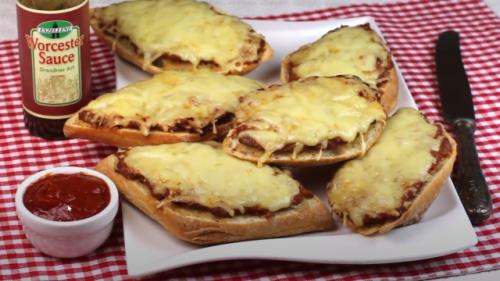 Blitz-Rezept für Bolognese-Brötchen: So schnell geht der Ofen-Snack