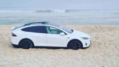 Teure Spritztour auf Sylt: Junger Tesla-Fahrer bleibtn