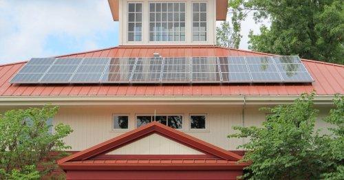 Steuerfrei Geld verdienen: So befreien Sie Ihre Solaranlage von der Steuer