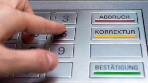 Abheben am Bankautomaten bald nicht mehr sicher? Neues Programm erkennt Ihre PIN