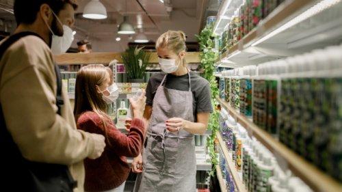 Genervt von Aldi, Rewe und Co.: Kassiererin erklärt die größten Ärgernisse beim Einkaufen