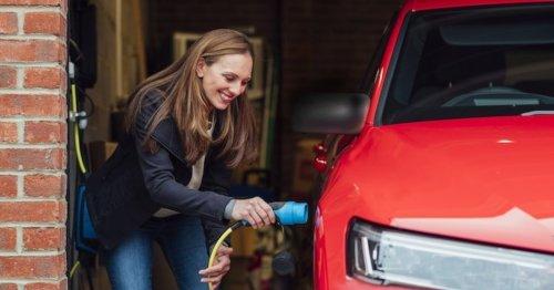 Lohnen sich E-Autos bei den Strompreisen noch? Ökonomin hat klare Antwort