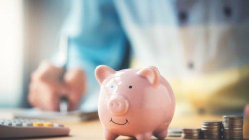 Mehrere Tausend Euro im Jahr sparen: Acht Kostenfresser, auf die Sie achten sollten