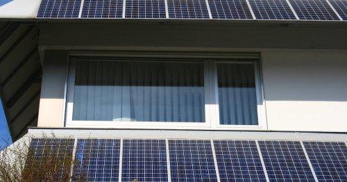 Photovoltaik an der Fassade: Für wen sie sich wirklich lohnt