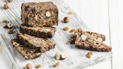 Besteht aus nur 3 Zutaten: So backen Sie ein leckeres Low Carb-Brot