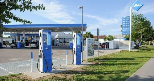 Provokanter Preisvergleich an Tankstellen geplant: Jetzt hagelt's scharfe Kritik