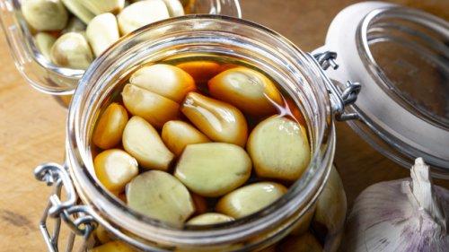 Das ganze Netz feiert ihn: Genialer Knoblauch-Snack ist einfach und gesund