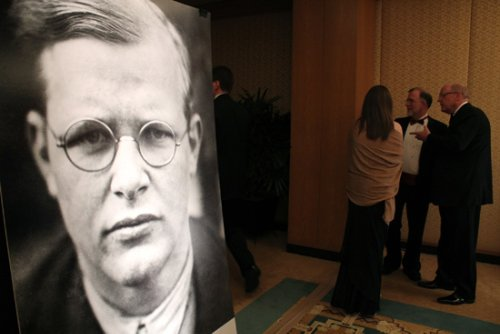 Learning from the faith of Dietrich Bonhoeffer
