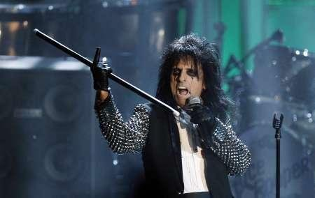 Former 'ambassador for Satan' says God used Alice Cooper to deliver her from witchcraft
