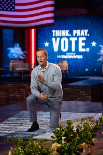 Agnostic actress apologizes to Kirk Cameron for judging his faith; actor responds