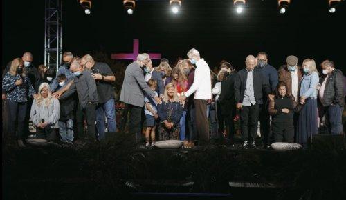 SBC committee to consider disaffiliating Saddleback Church for ordaining women pastors