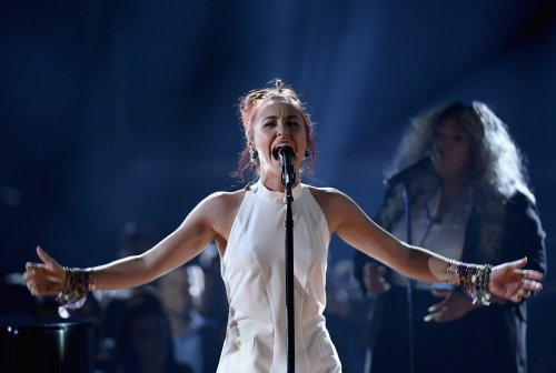 Lauren Daigle urges young Christians to ask God for courage in face of adversity: 'He will give it to you'