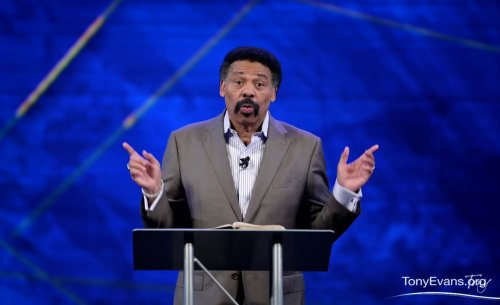 Tony Evans calls for Christian unity amid racial tensions in the Church