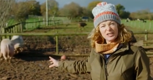 Lorraine bosses forced to censor 'x-rated' Escape to the Farm clip