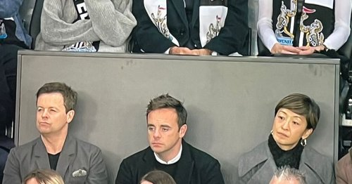 Ant and Dec spotted 'wrong way round' at Newcastle v Spurs