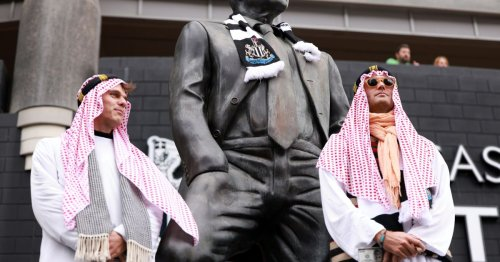 Pub asks Newcastle fans not to dress in Arab-style clothing