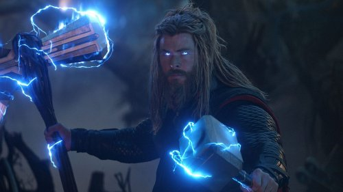 Marvel Fan Goes To Disneyland As Fat Thor, Goes Viral For Perfect Lighting Shot