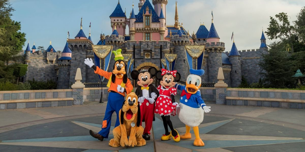 How Disney World And Disneyland Will Be Different Post-Pandemic - cover