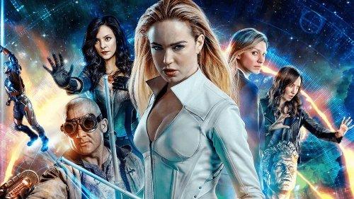 'Legends of Tomorrow': Heróis estampam capa de VHS no belíssimo pôster da 6ª temporada; Confira! | CinePOP