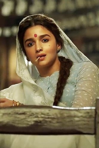 Alia Bhatt's Gangubai Kathiawadi: Shooting ban costs 3 Lakhs' per day loss to the makers?
