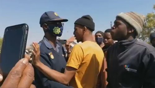 'Tsek!' – Naledi residents tell campaigning Ramaphosa and ANC to buzz off