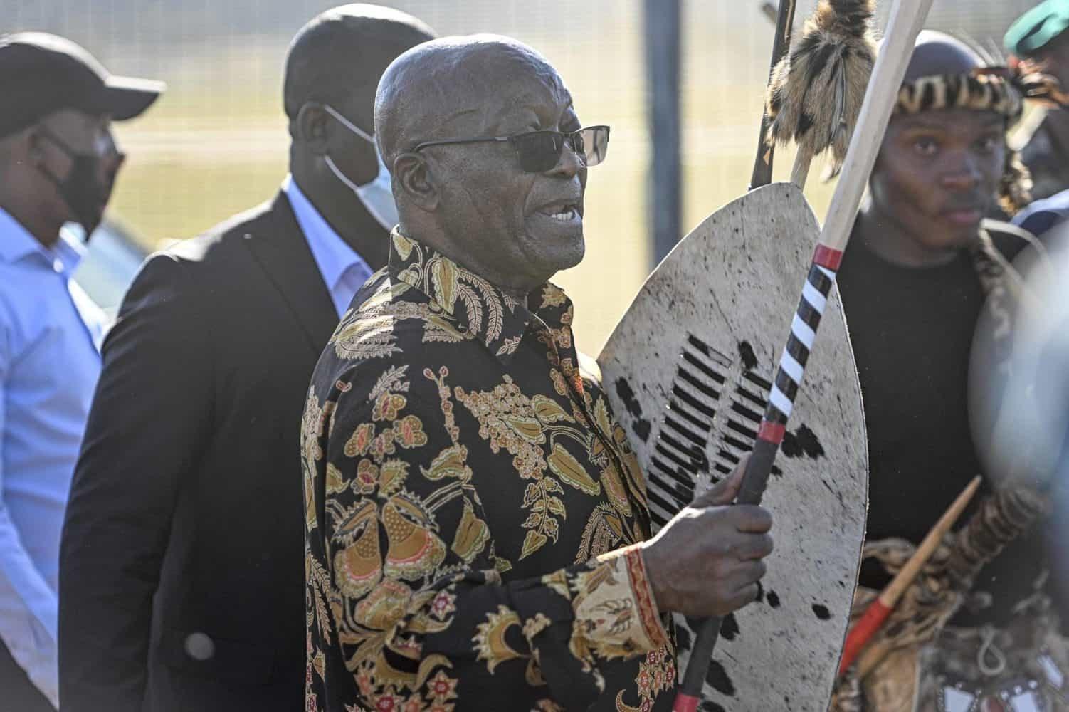Violence outside Nkandla 'regrettable', 'unfortunate' – Zuma Foundation
