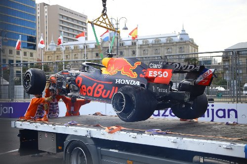 Tyre failures raise questions around F1's street circuits