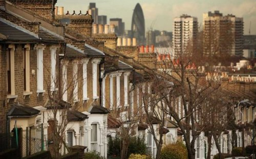 Buyers face hot competition as average house price hits all-time high