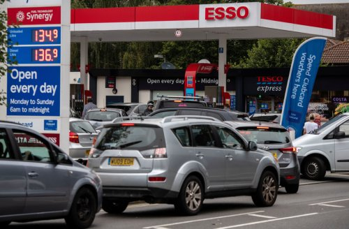 Shapps says 'don't panic buy petrol' as he makes plea for new HGV drivers